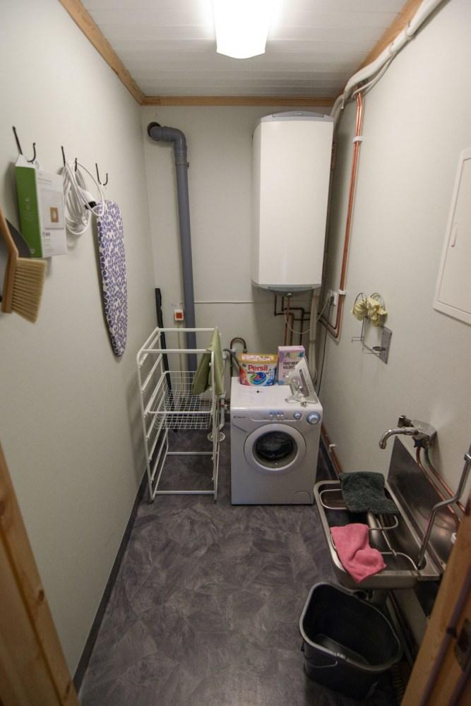 haushaltsraum-waschmaschine-hauswirtschaftsraum