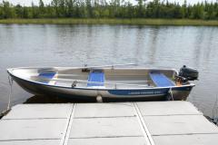 angeln-foxen-angelboot-mit-motor-boot-angler-schleppangeln-spinnfischen-spinnangeln-schweden-alu-boot-rutenhalter